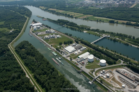 Lobau oil terminal - aerial photo © LBS Redl