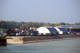 Freudenau harbour - Storage halls for long goods © Hafen Wien